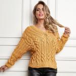 Пуловер с косами и V-образным вырезом