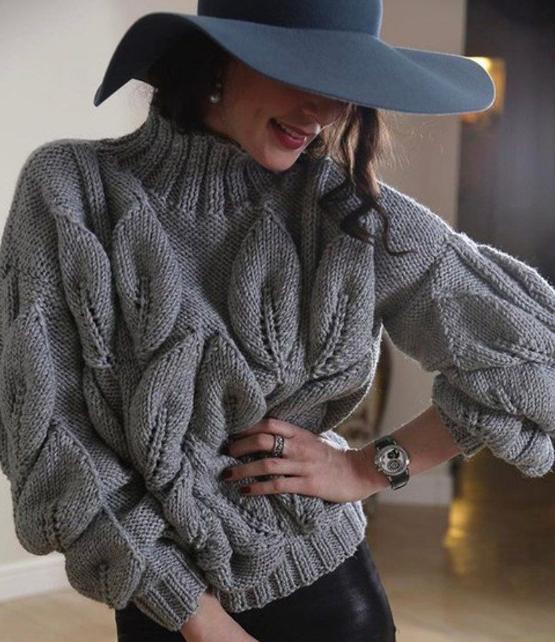 свитер с листьями спицами